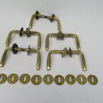 BB31 - 5 Stück Türgriffe, Jugendstil, Messing mit Rosetten und Schlüsselloch-Blenden