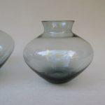 4. Vase von links