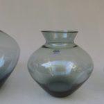 2. Vase von links
