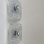 W74 - 1 Paar Wandleuchte, quadratisch, Peill & Putzler, Düren, Eisglas, Edelstahl gebürtstet