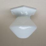 D24 - Deckenleuchte, Porzellan und Überfangglas, bez. XXX - VLG Weißwasser