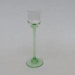7. - 1 Likörglas, Stengel und Stand helles gün