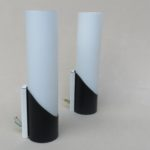 W228 - 1 Paar minimalistische Wandleuchten, 60er Jahre, S + S B, schwarz und weiß