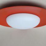 D182 - große Deckenleuchte/Wandleuchte, 60er Jahre, Kaiser-Leuchten, orangerot, Überfangglas weiß