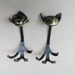 GA31 - 2 Stück Garderobenhaken Affe und Katze, Walter Bosse, 50er Jahre, Messing, schwarz