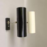 W147 - 1 Paar minimalistische Wandleuchten, 60er Jahre, BuR - Bünte & Remmler, vernickelt, helles beige und schwarz