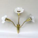 """W31 - Wandleuchte """"Blüten"""", 50er Jahre, Lochblech beige, Messing"""