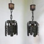 D191 - 1 Paar Deckenleuchten, Brutaliste Art, 70er Jahre, Schmiedeeisen, Kupfer